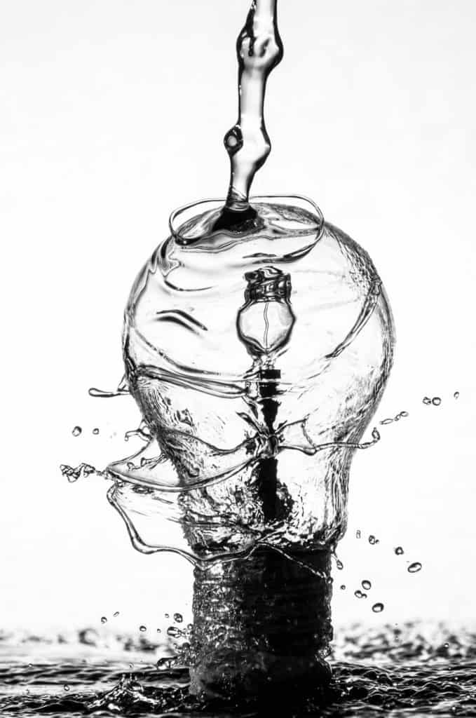 Hydropower (image of lightbulb and water)